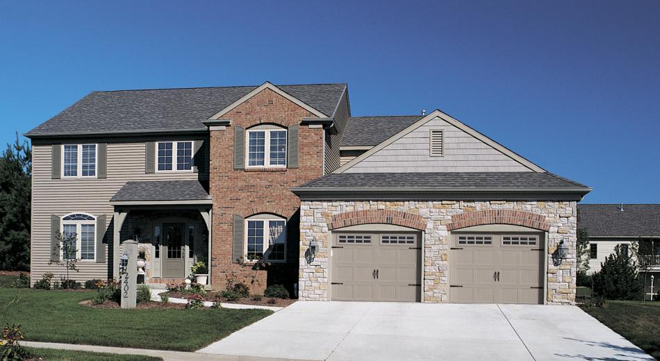Garage Doors Serving Davenport Ia And Moline And Rock Island Il